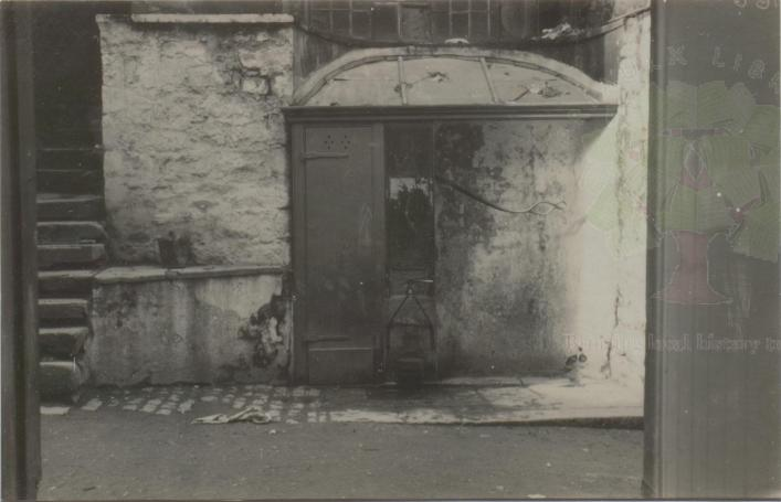 Edith Carey, Pump in Cornet Street 1929, demolished, Priaulx Library Collection